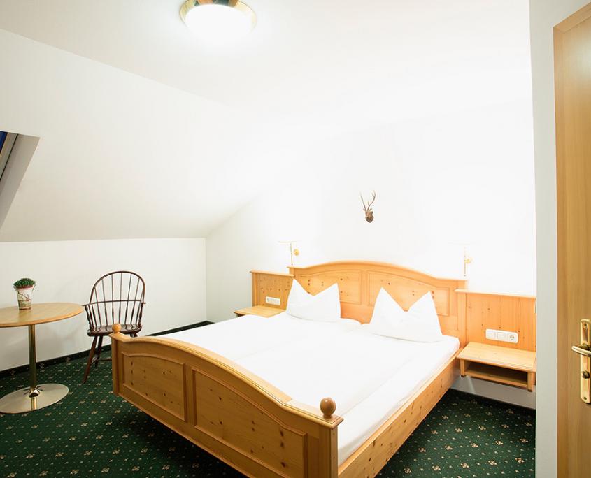 Gasthof-Landhotel-Schmuck-Standardzimmer